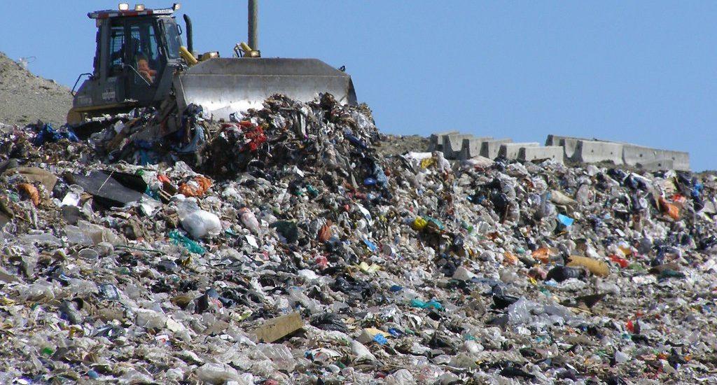 Bihorul este in termen in ceea ce priveste inchiderea depozitelor de gunoi neconforme din judet