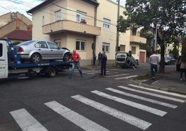 Accident spectaculos intr-o intersectie din Oradea