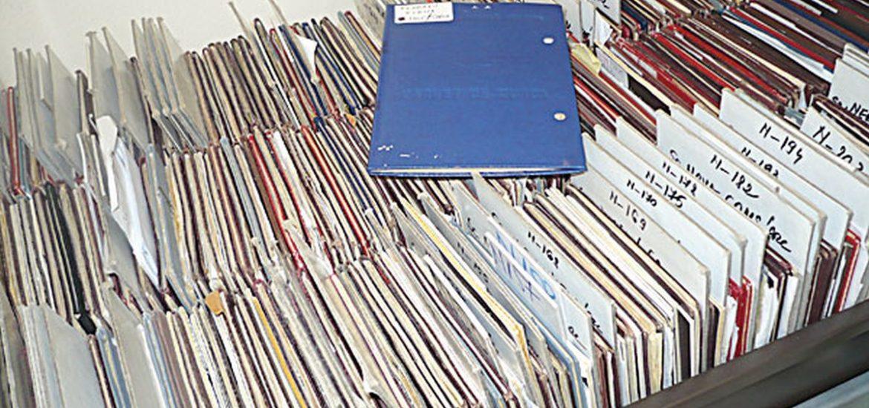 Aproape 500 de carnete de munca neridicate la AJOFM Bihor. Vezi lista acestora