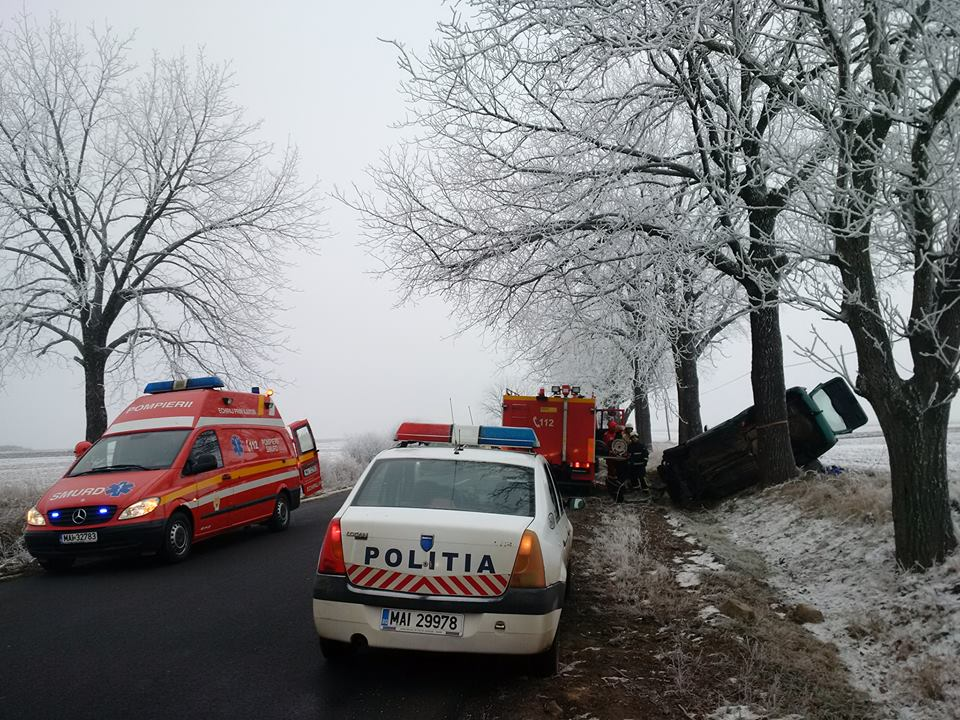 Accident Cauaceu masina rasturnata