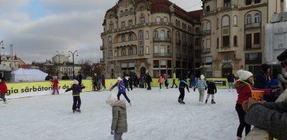 Patinoarul din Piața Unirii rămâne deschis până în 31 ianuarie