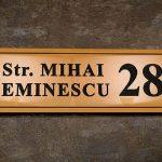 Montarea plăcuțelor cu număr administrativ, in Oradea, este obligatorie. Vezi ce trebuie sa faceti