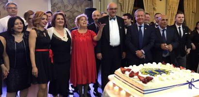 Bal caritabil la Oradea. 30.000 de lei stransi pentru ajutorarea copiiilor bolnavi de cancer si diabet