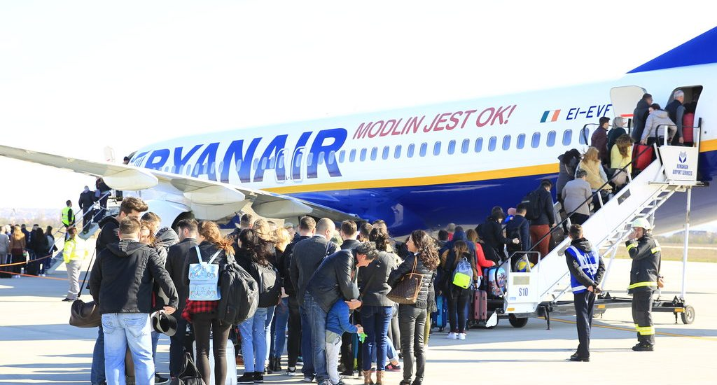 Prima cursă internațională de linie a fost inaugurată, azi, 26 martie 2017, pe Aeroportul Oradea. FOTO