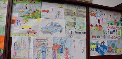 """Saptamana politiei bihorene: Expoziţie cu peste 160 de desene sub genericul """"Poliţistul, prietenul meu"""" (FOTO)"""