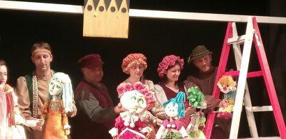 """Teatrul Regina Maria anunța premiera spectacolului """"Cenușăreasa"""", a Trupei Arcadia"""