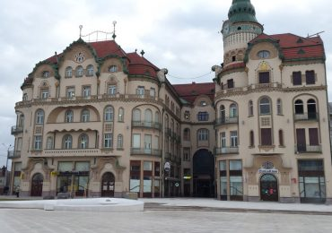 Primaria Oradea scoate la licitatie amplasamentele pentru terase în Piața Unirii