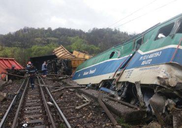acident feroviar doi mecanici morti