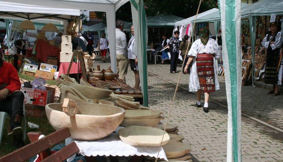 Targul Mesterilor Populari din Oradea va aduce peste 130 de mesteri din Romania. Vezi programul