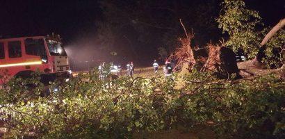 11 victime stabilizate, una ramasa in stare grava dupa furtuna de la Bulz
