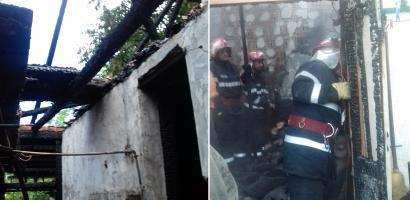 Incendiu, in aceasta dimineata, la o gospodarie din Marghita. Doua case in pericol