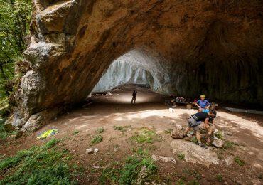 Iubitorii de munte si escalada sunt asteptati la OSOI CLIMBING FEST, de la Pestera Osoi