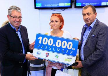 Inca o panglica la Aeroportul Oradea. Pasagerul cu numarul 100.000