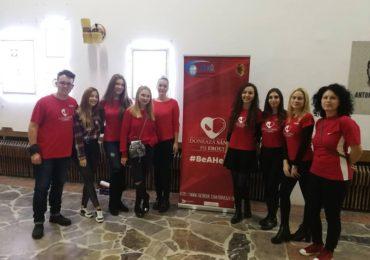 """Studentii medicinisti oradeni, va invita sa fiti eroi, in cadrul proiectului national """"Donează sânge! Fii erou!"""""""