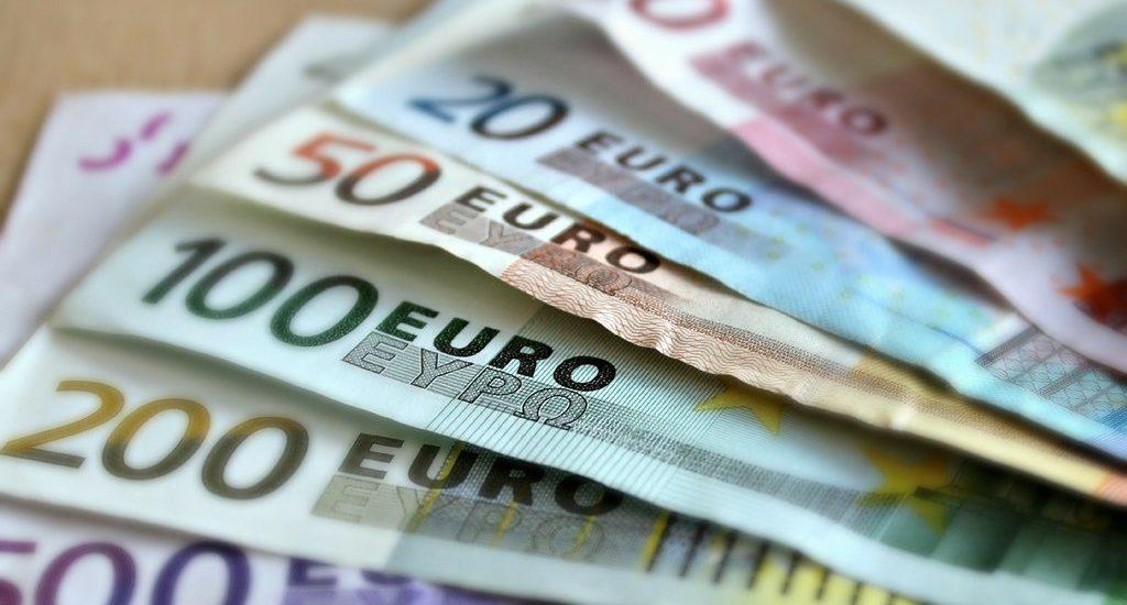Guvernul imprumuta 3 miliarde euro si indatoreaza tara pe 30 de ani. Explicatii halucinante