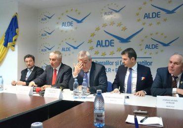 Senatorul ALDE, Vasile Nistor, cere demisia lui Tăriceanu din funcția de președinte al Senatului