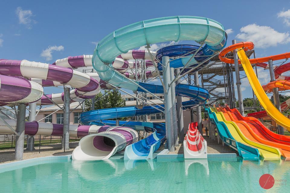 Aquaparkul Nymphaea Oradea tobogane
