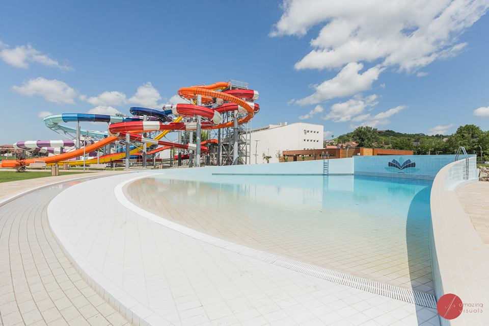 Aquaparkul Nymphaea Oradea bazine