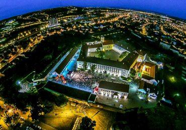 Expozitie foto inedita Ovi D. Pop. Zece ani de transformare a Cetatii Oradea, 2006-2016