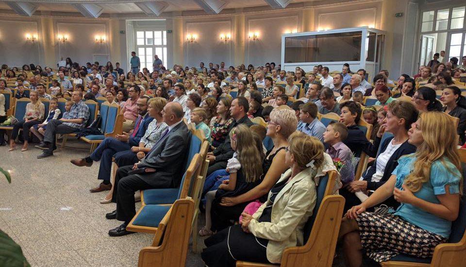 Prefectul Claudiu Pop deschidere Liceul Baptist Emanuel