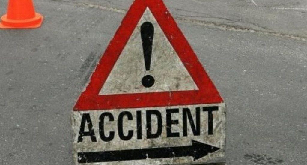 Un tanar de 19 ani din Sacuieni, beat si fara permis de conducere a produs un accident si a fugit