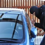 Politistii au retinut un barbat de 27 de ani, din Oradea, banuit ca a dat mai multe spargeri de autoturisme