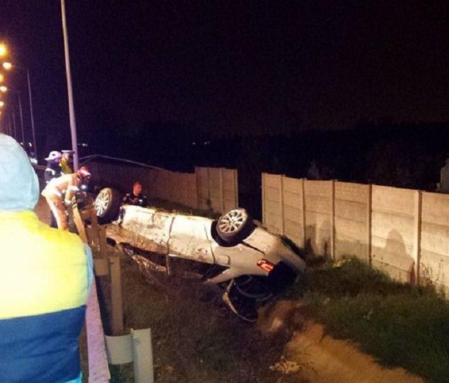 UPDATE! Inca un accident grav pe Centura Oradiei. Soferul, un tanar de 19 ani, circula cu viteza mare