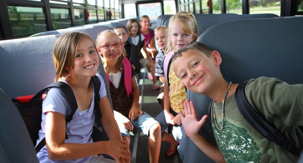 Începând cu acest an școlar, Guvernul va deconta integral naveta elevilor