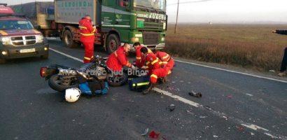"""Motociclist mort intr-un accident la iesirea din Nojorid. Martor: """"telefonul ii suna incontinuu"""". FOTO"""