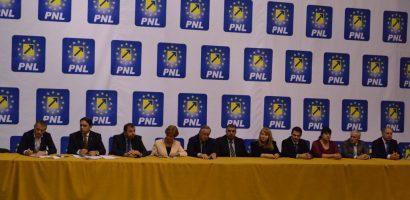 PNL Bihor şi-a lansat ieri candidaţii pentru alegerile parlamentare