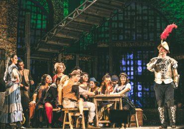 Teatrul oradean s-a intors cu trei premii de la Festivalul National de Comedie de la Galati