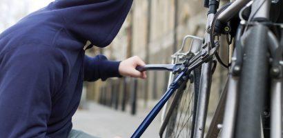 Hot de bicicleta prins in flagrant, de catre politisti, cand incerca sa vanda o bicicleta pe care a furat-o tot el