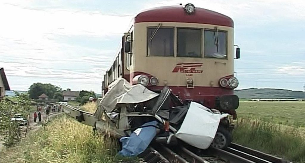 Accident mortal, la trecerea de cale ferata, la intrare in localitatea Lunca