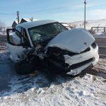 Accident in lant la Topa de Cris. O femeie grav ranita, dupa coliziunea a trei masini. FOTO