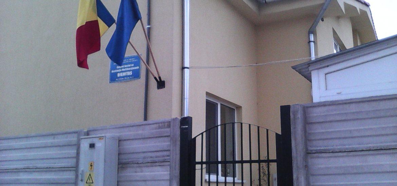 """Sesiune de depunere a cererilor pentru centrele sociale """"Candeo"""" si """"Dignitas"""""""