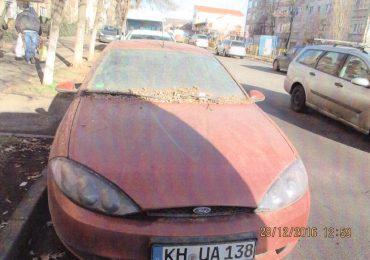 Masina abandonata Oradea KH UA 138 Ford