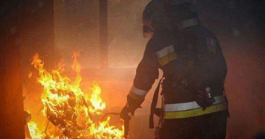 Incendiu la o firma de pe strada Ogorului din Oradea, cauza probabila ar fi un panou electric defect