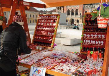 Licitatie pentru atribuirea locurilor pentru vanzarea de martioare si flori de 1 si 8 martie, in Oradea