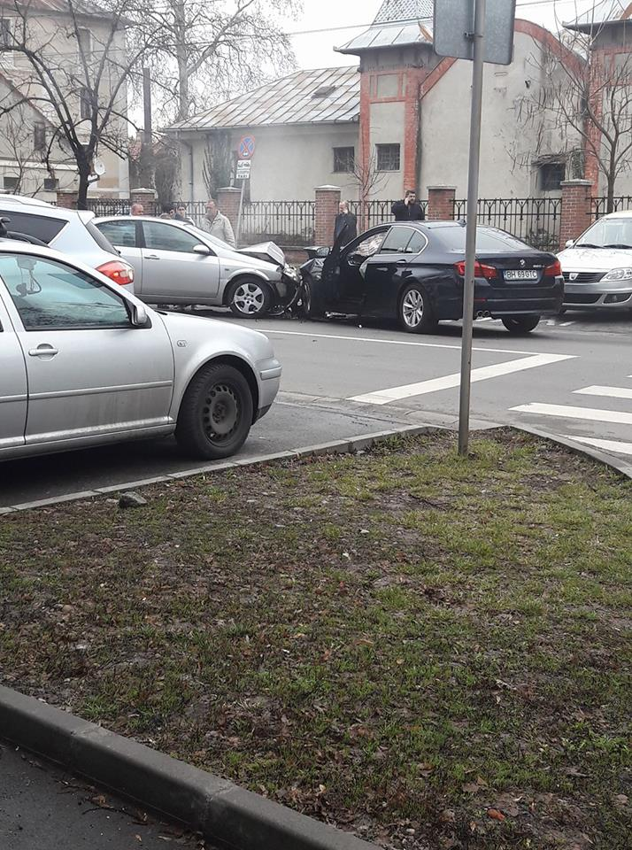 Accident frontal Universitate Oradea