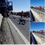 Accident mortal pe DN79. Soferul unei autoutilitare a decedat pe loc, in urma impactului cu un TIR