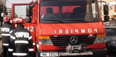 Incendiu la un apartament de pe strada Aleea Salca din Oradea. Propietara si-a lasat o lumanare nesupravegheata