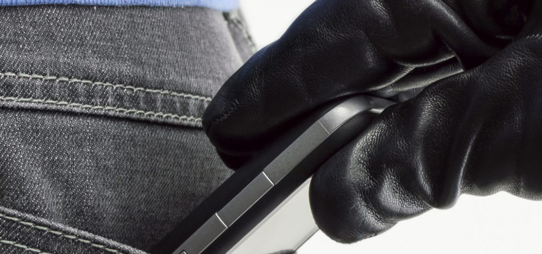 A furat un telefon de la o oradeanca si a fost prins in cateva ore de politistii oradeni