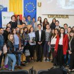 Judecatorul Cristi Danilet a discutat cu liceeni bihoreni despre educatia juridica, sambata la Oradea