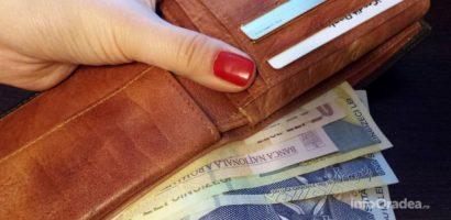 Premiile lunare, pentru bugetari, vor creste de la 2% la 5% si se vor acorda sub forma unui voucher de vacanta
