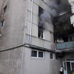 Incendiu pe Mestesugarilor, în Oradea, provocat, cel mai probabil, de jocul copiilor cu focul