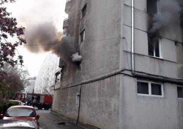 Incendiu Dacia 7.04 Oradea