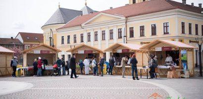 A inceput Târgul de Pasti Oradea 2017. Vezi programul si activitatile din Piata Unirii. (FOTO)