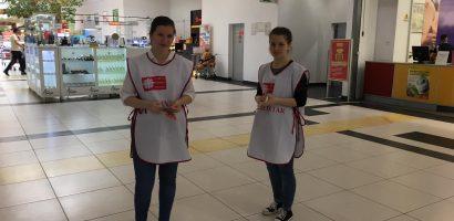 125 de voluntari ai Asociatiei Caritas Eparhial au colectat alimente pentru copiii din centrele de zi