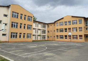 corp scoala internationala Oradea