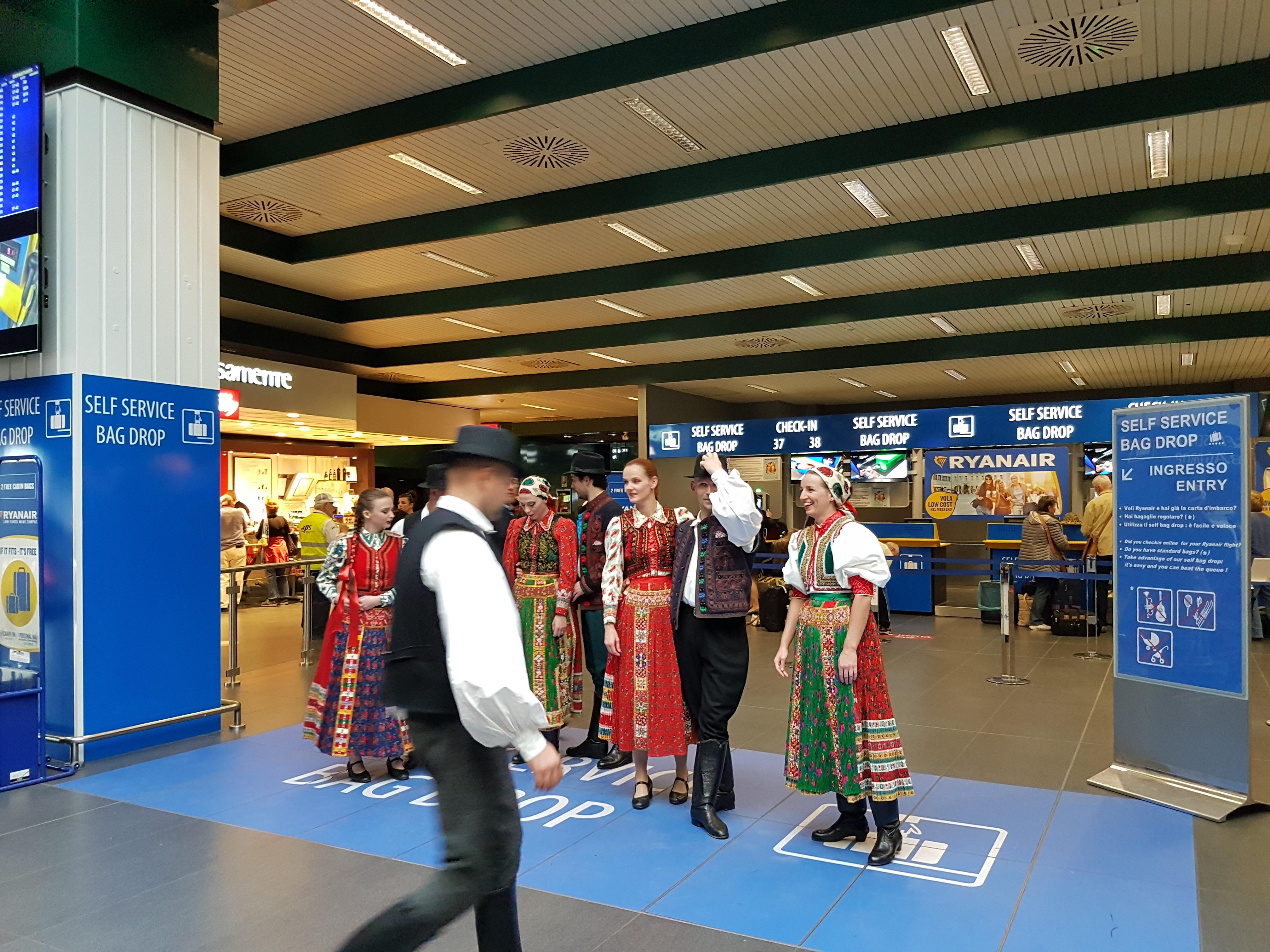 dansuri maghiare milano